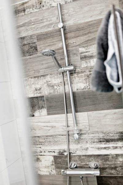 Dusj påmontert vegg på Mannsverk